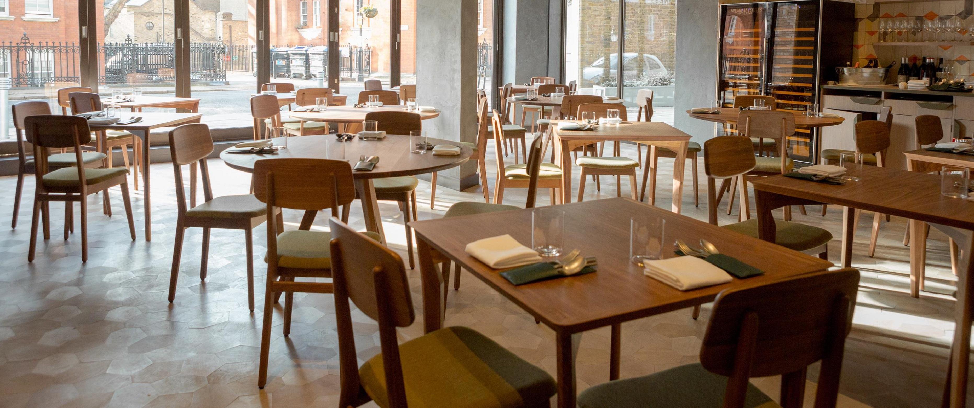 Contract project - Londrino Restaurant Ligne Roset