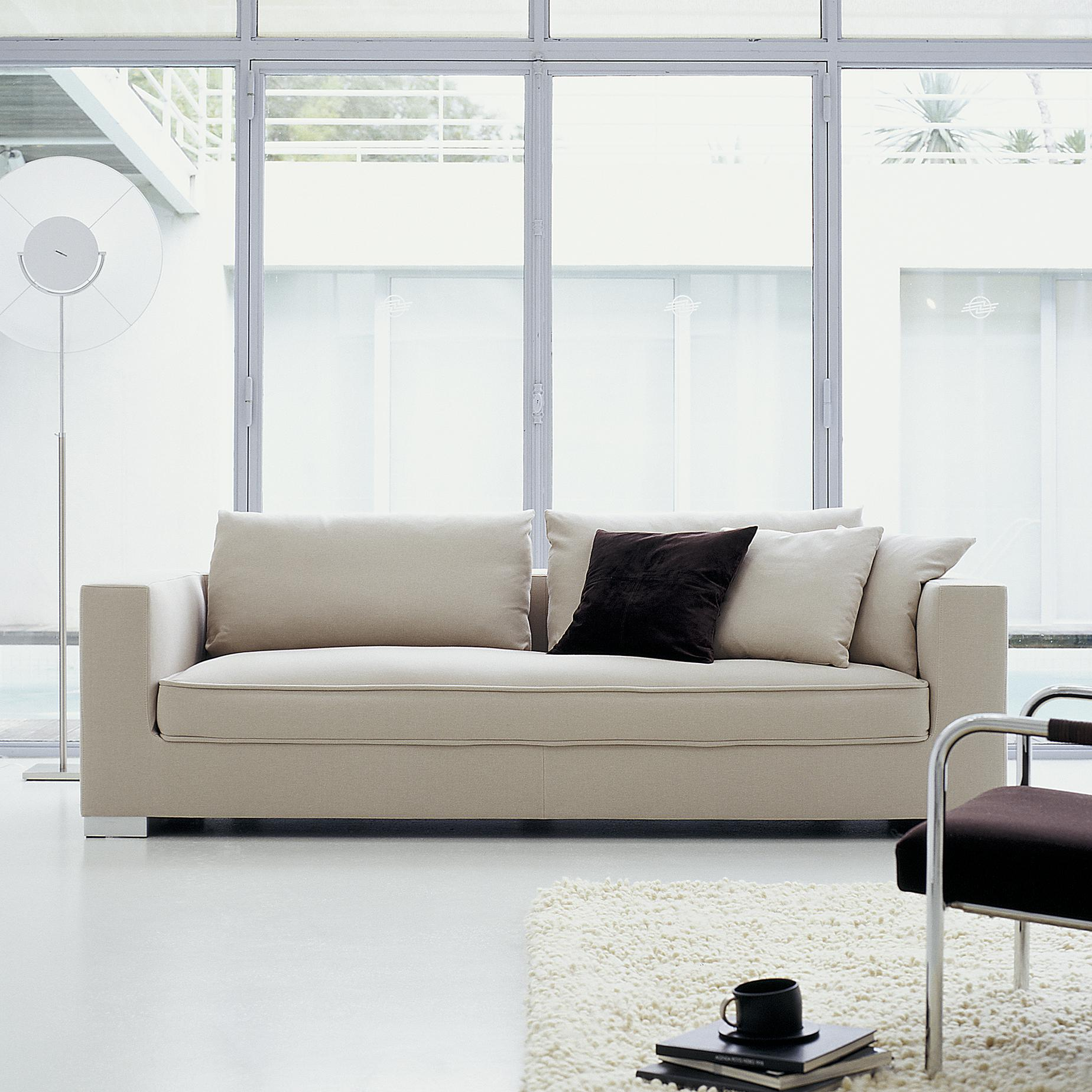 rive gauche sofas from designer didier gomez ligne roset official site. Black Bedroom Furniture Sets. Home Design Ideas