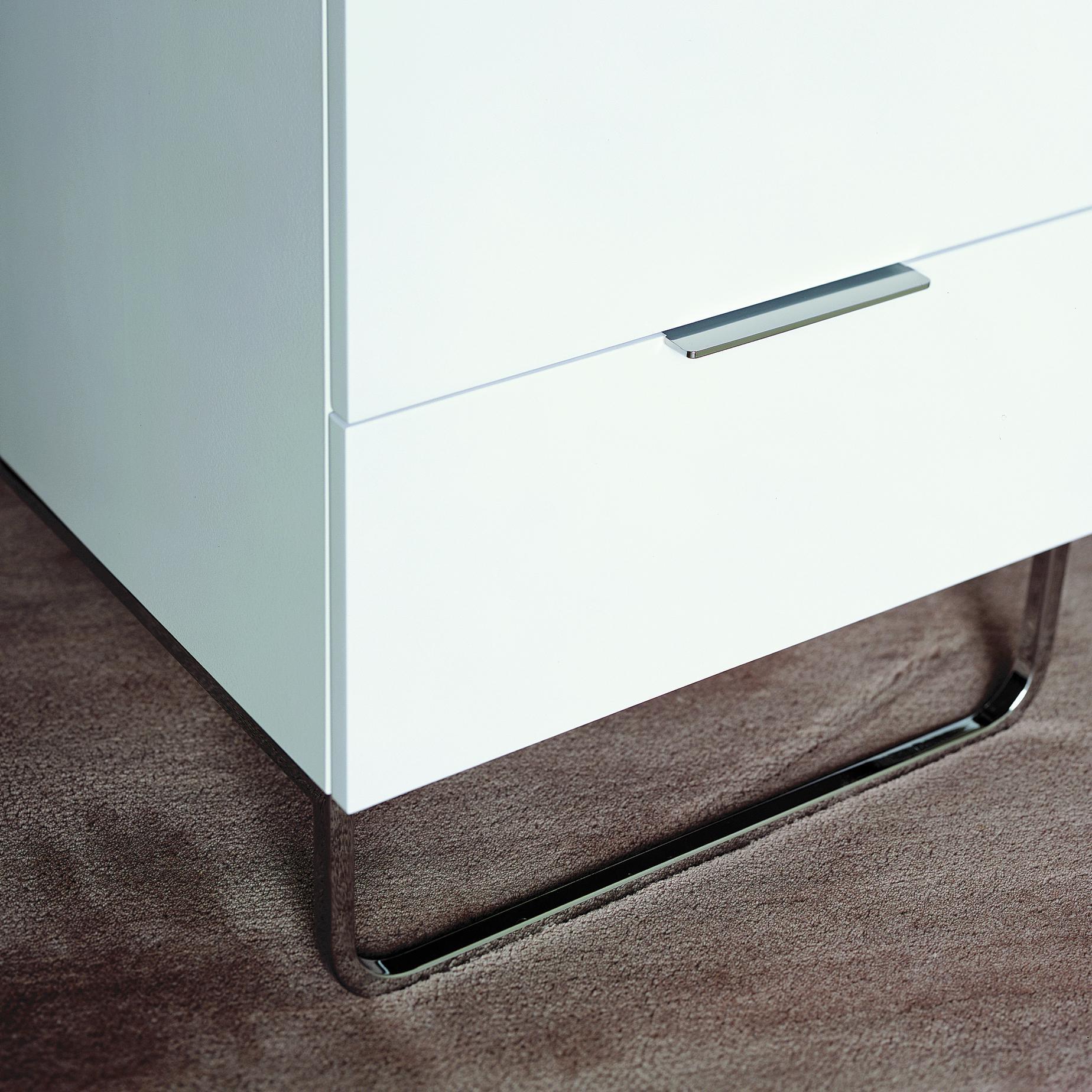 hyannis port night chests designer eric jourdan ligne roset. Black Bedroom Furniture Sets. Home Design Ideas