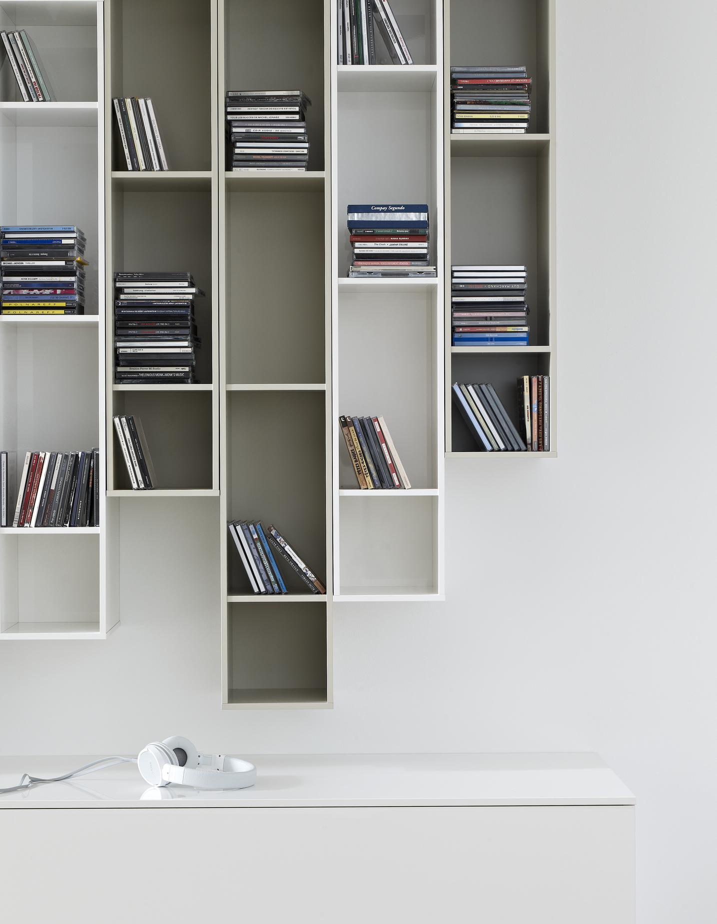 HORIZONTAL SHELF WITH COMPARTMENTS  ARGILE LACQUER Ligne Roset