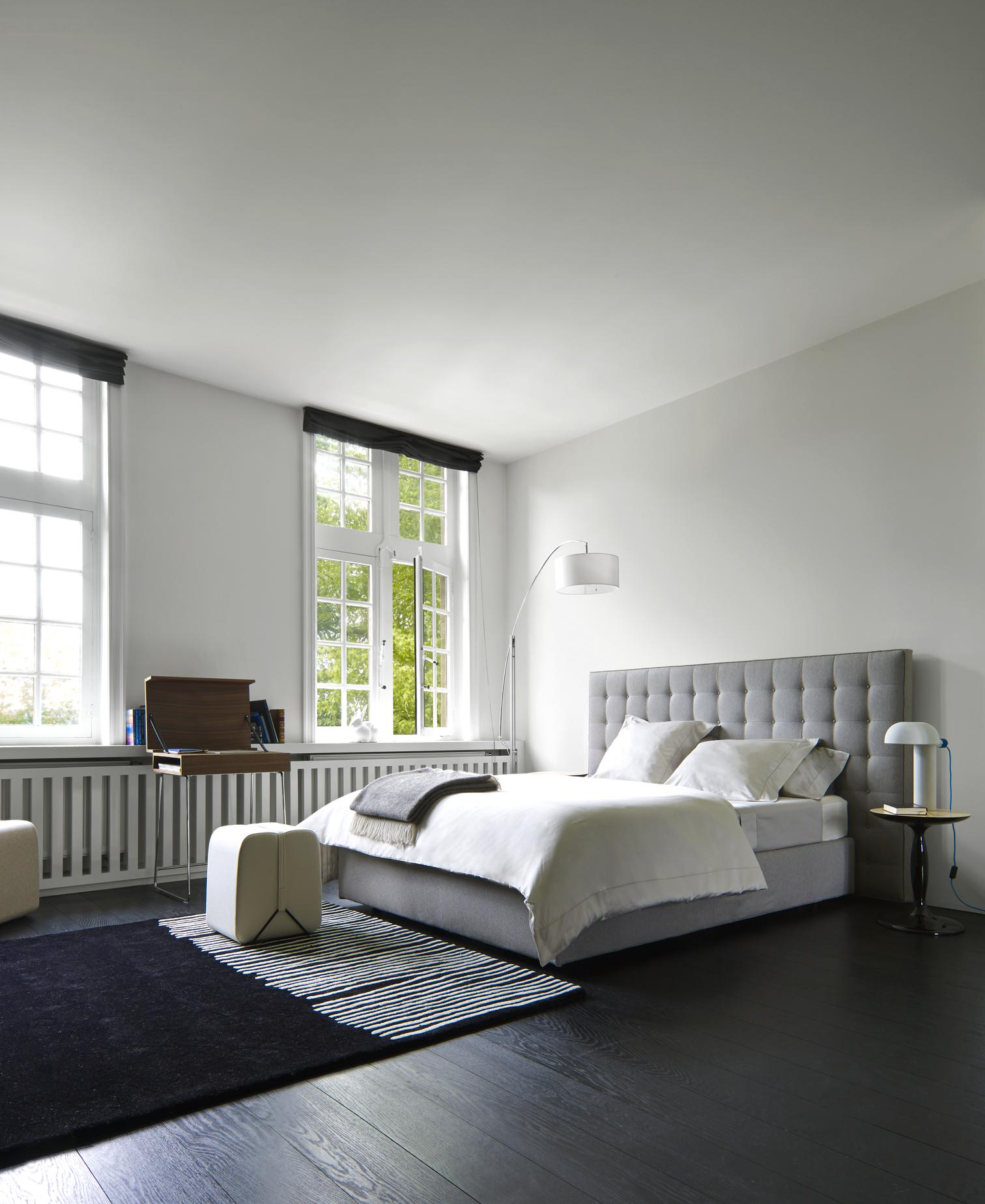 nador lits du designer ligne roset ligne roset site. Black Bedroom Furniture Sets. Home Design Ideas
