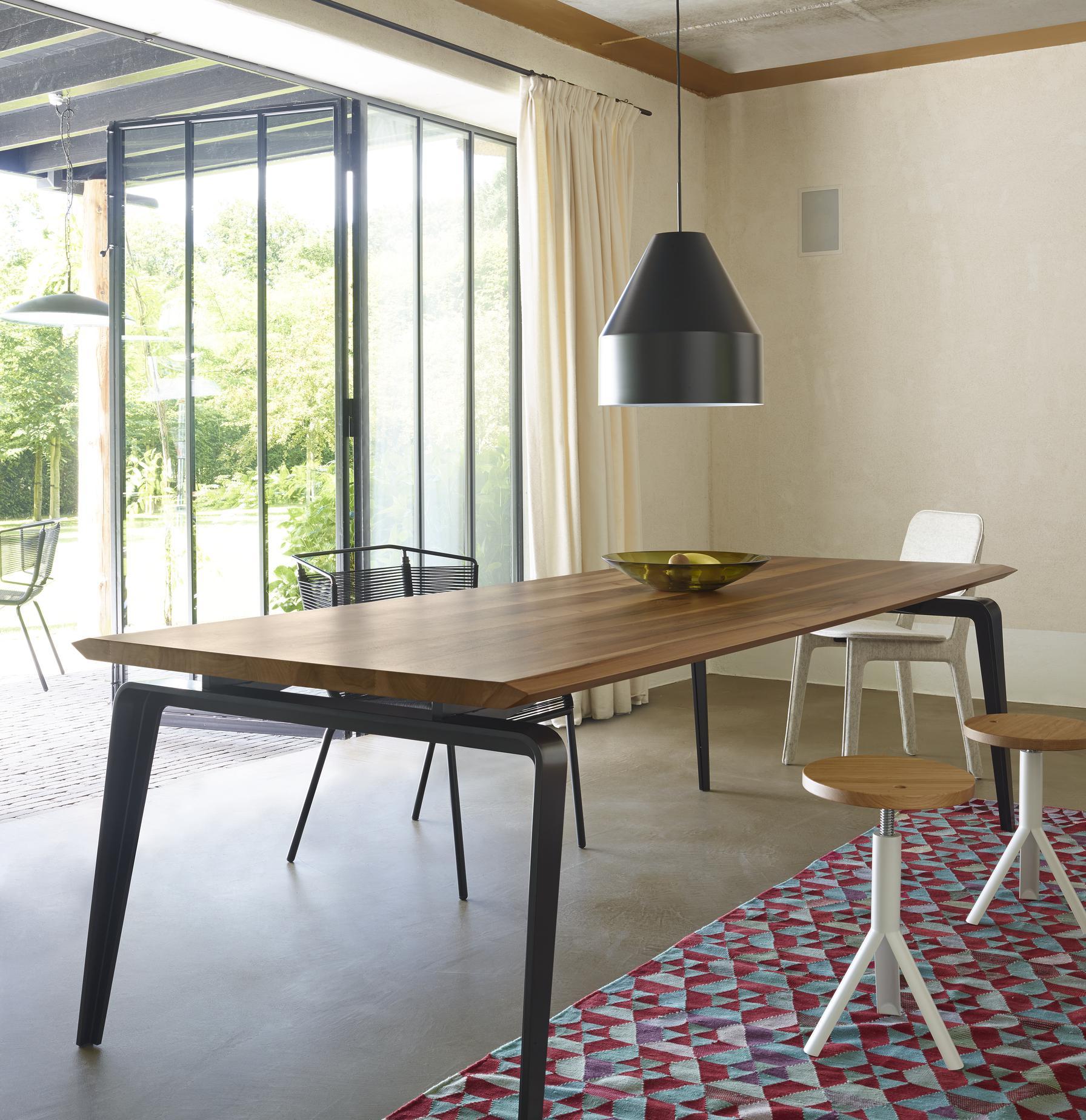 Building Dining Table Odessa Tables Designer Mauro Lipparini Ligne Roset