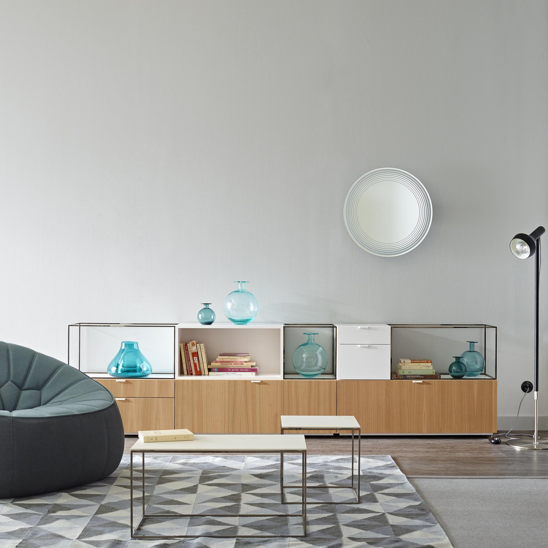 space occasional tables from designer pagnon pelha tre ligne roset official site. Black Bedroom Furniture Sets. Home Design Ideas