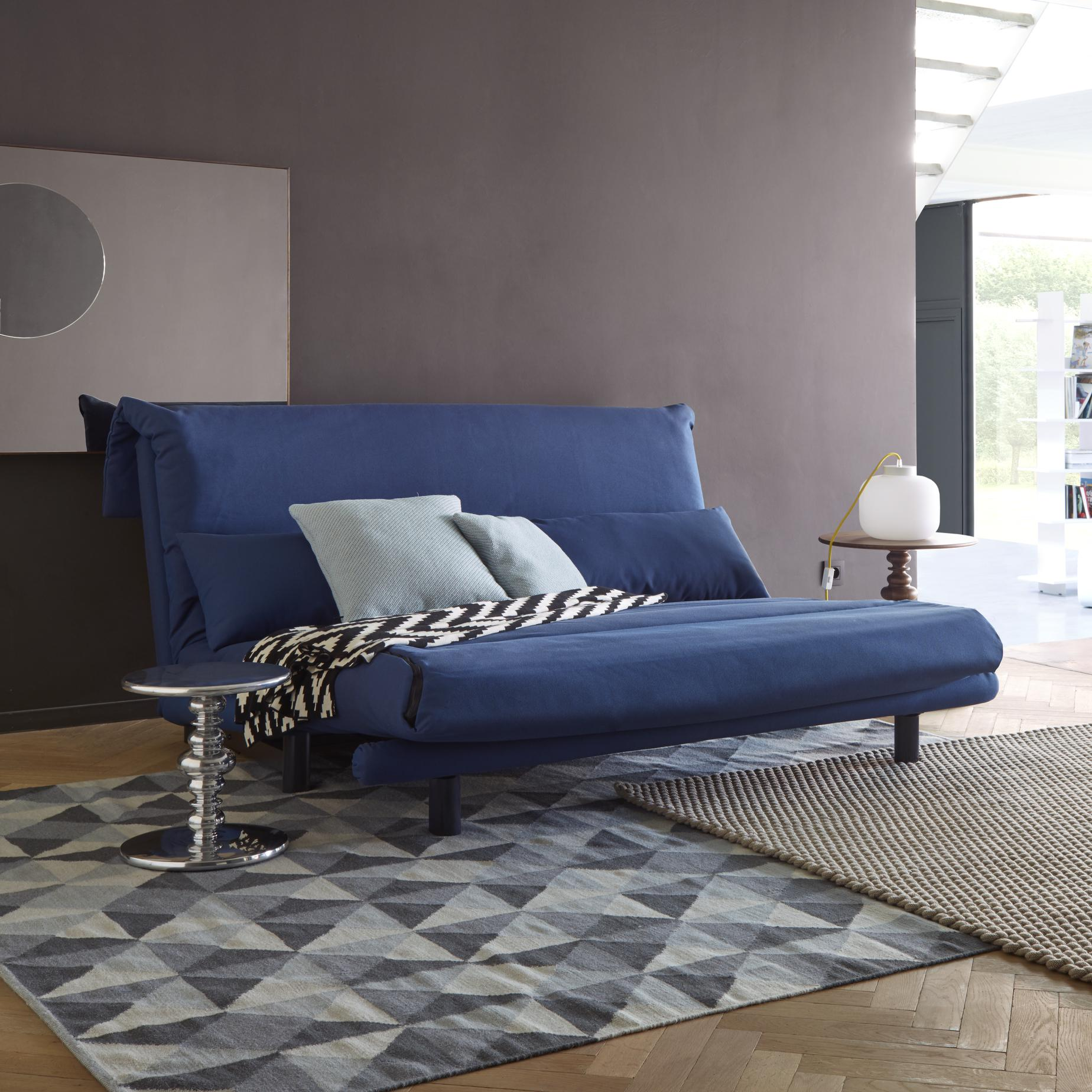 Multy sofa beds from designer claude brisson ligne for Ligne roset multy testbericht