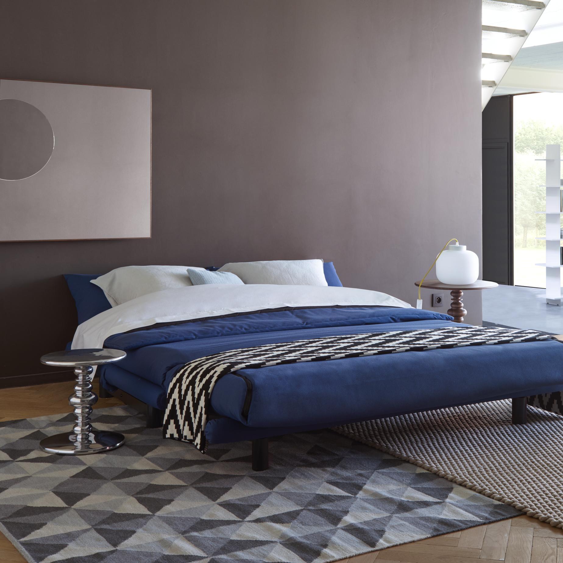 Slaapbank Ligne Roset Multy.Multy Sofa Beds From Designer Claude Brisson Ligne Roset