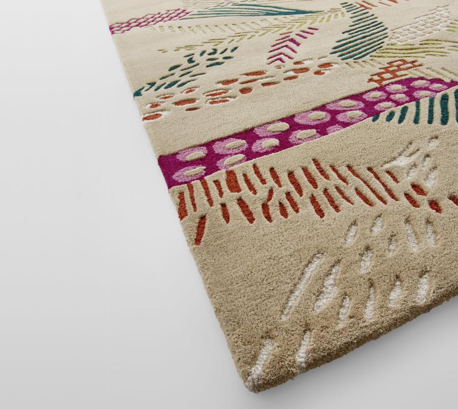 jungle rugs designer m a stiker metral ligne roset. Black Bedroom Furniture Sets. Home Design Ideas
