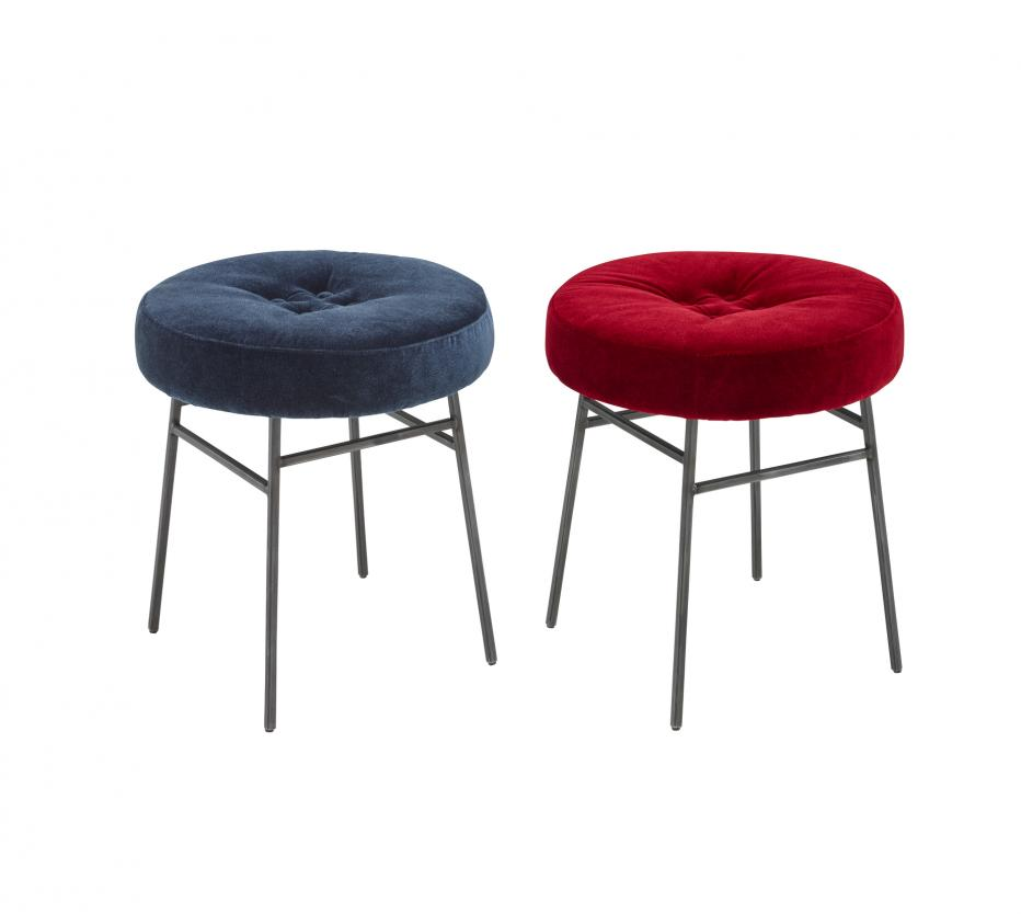 Ilot chaises du designer amaury poudray ligne roset for Ligne roset clouds