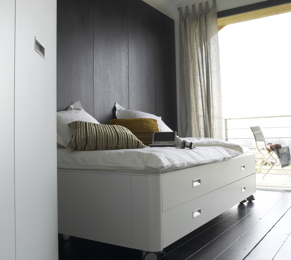 travel studio beds from designer pagnon pelha tre ligne roset official site. Black Bedroom Furniture Sets. Home Design Ideas