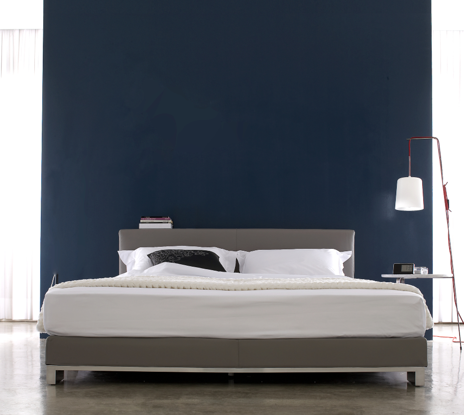 anna beds from designer christian werner ligne roset official site. Black Bedroom Furniture Sets. Home Design Ideas