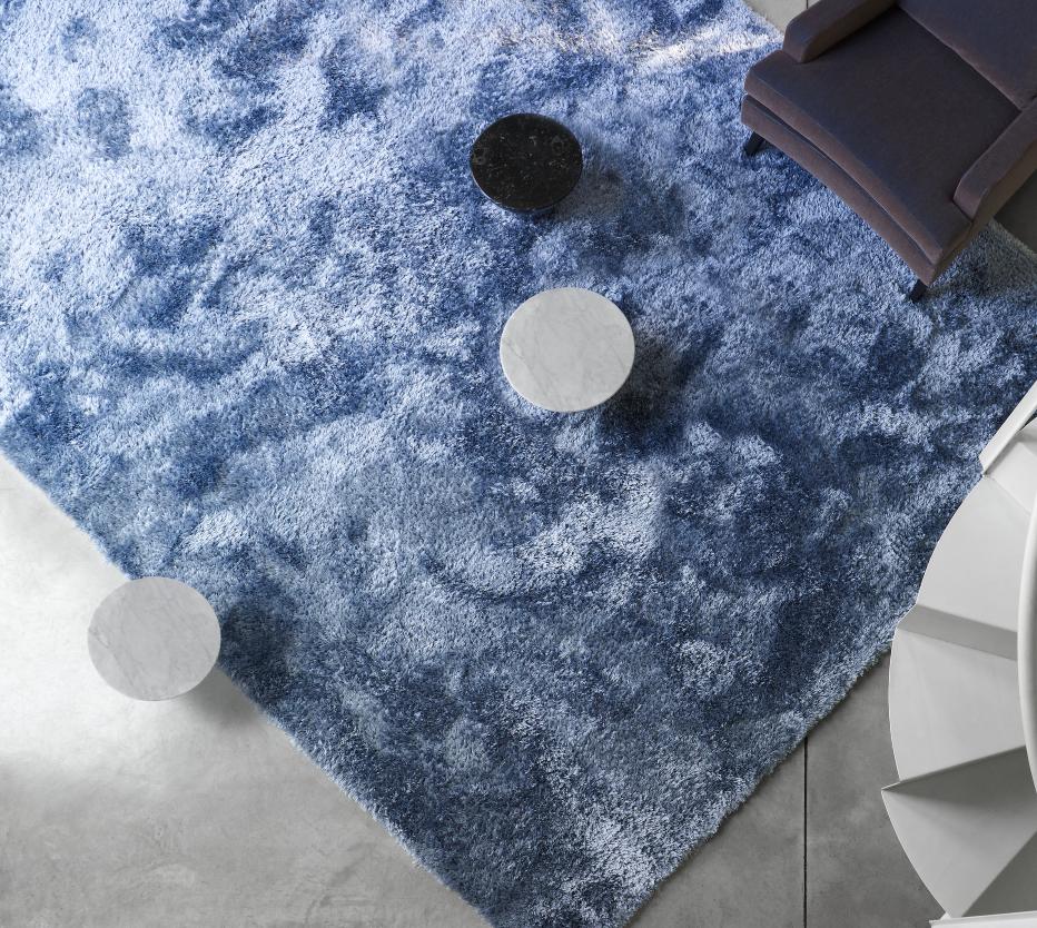 soft et doux tapis du designer ligne roset site officiel. Black Bedroom Furniture Sets. Home Design Ideas