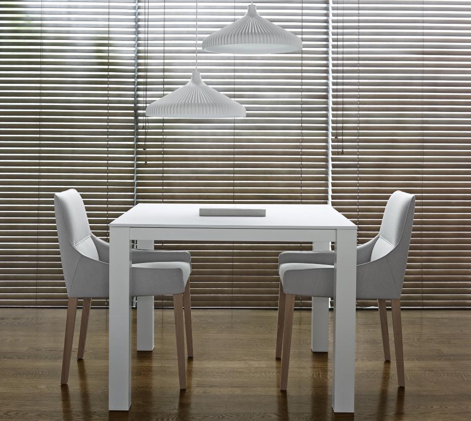 long island st hle designer n nasrallah c horner ligne roset. Black Bedroom Furniture Sets. Home Design Ideas