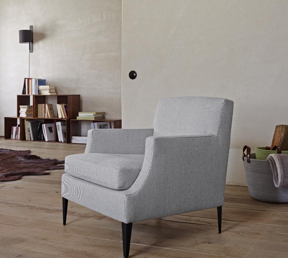 voltige armchairs from designer didier gomez ligne. Black Bedroom Furniture Sets. Home Design Ideas