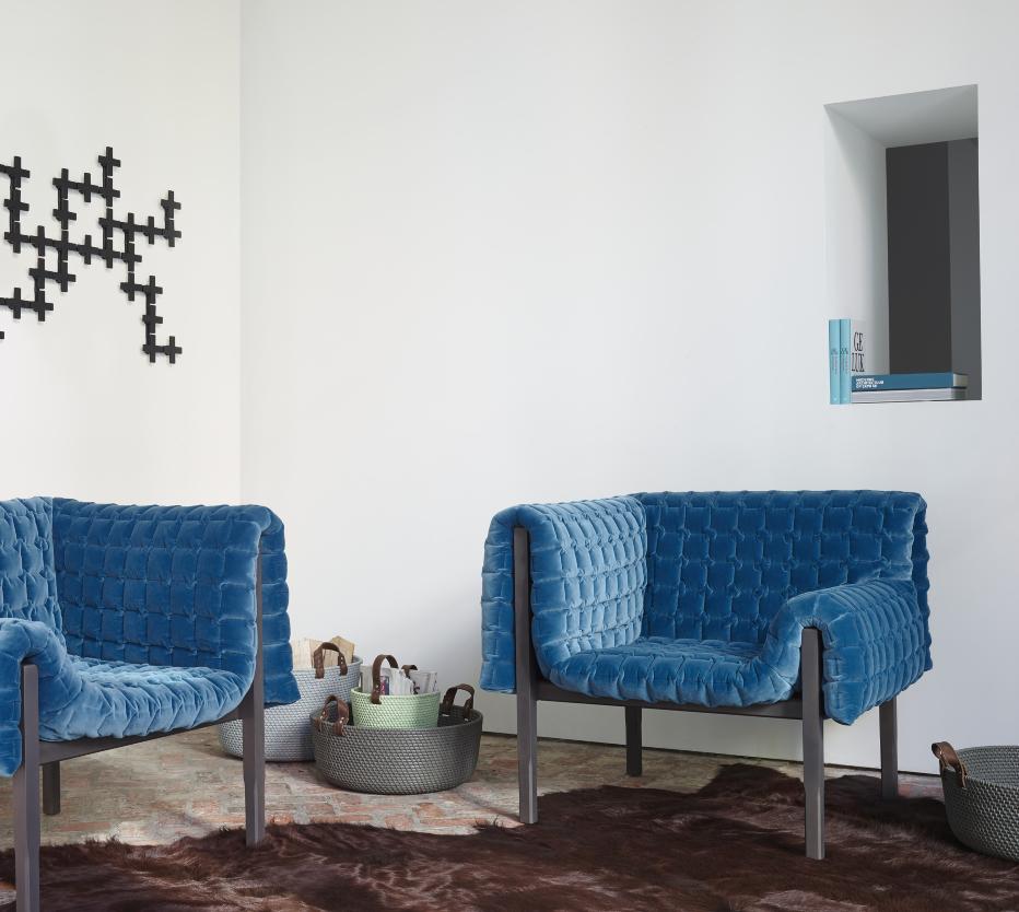 Ruch armchairs from designer inga semp ligne roset for Ligne roset ulm