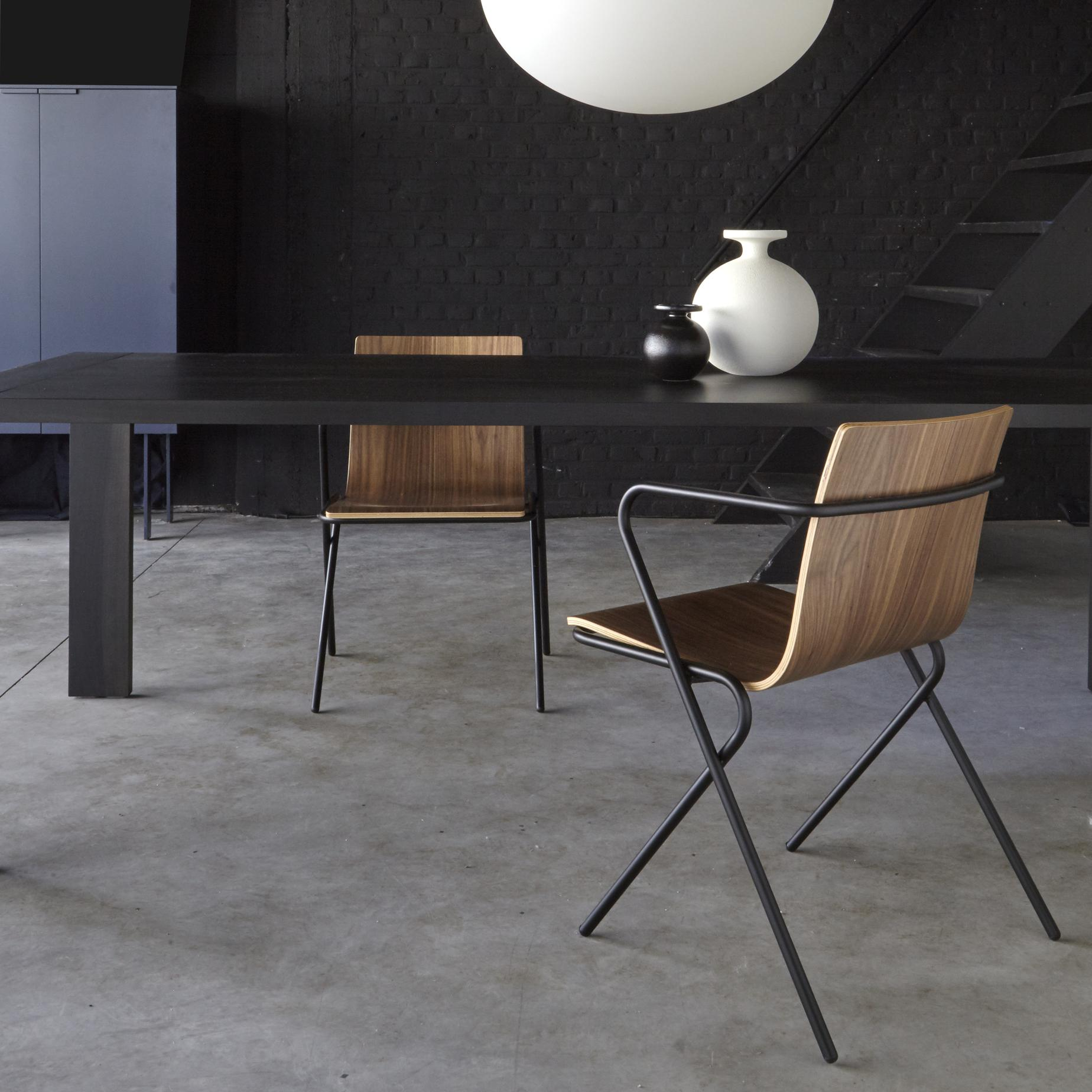 perluette chairs from designer louvry angioni ligne roset official site. Black Bedroom Furniture Sets. Home Design Ideas