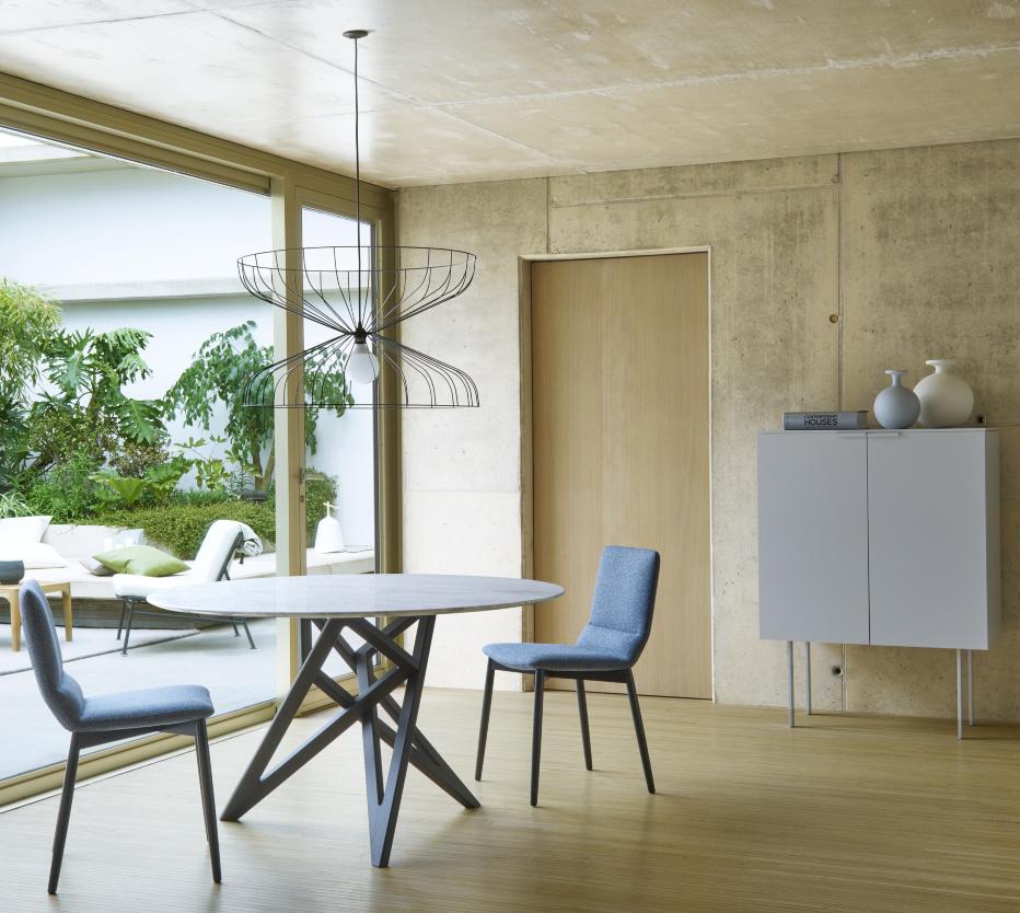 enn a tables from designer vincent tordjman ligne. Black Bedroom Furniture Sets. Home Design Ideas