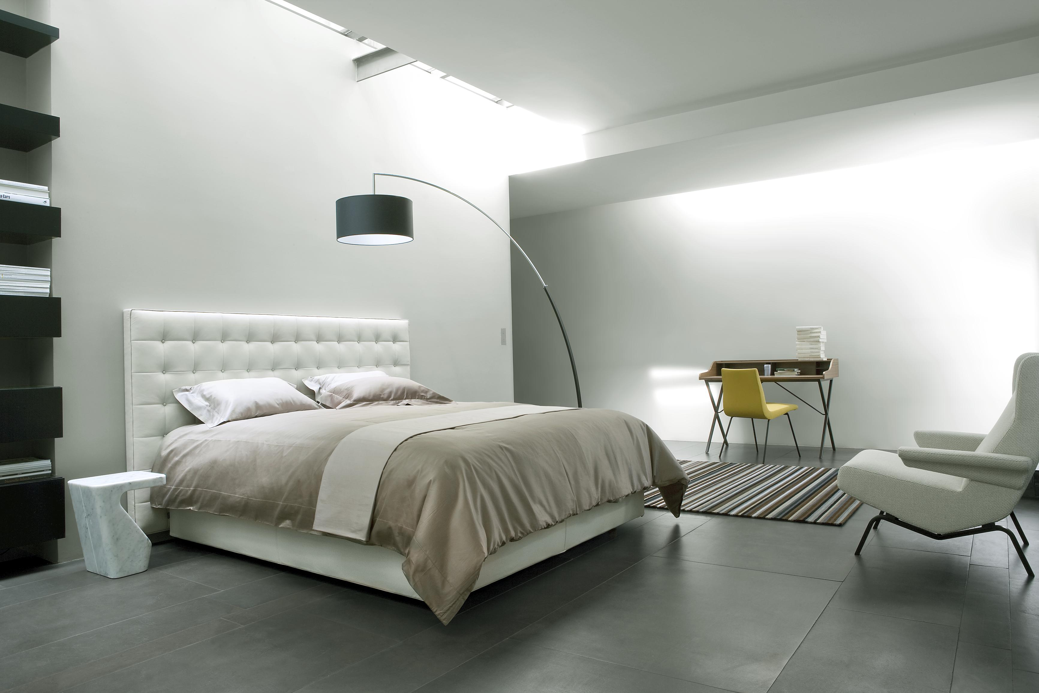 nador lits du designer ligne roset ligne roset site officiel. Black Bedroom Furniture Sets. Home Design Ideas