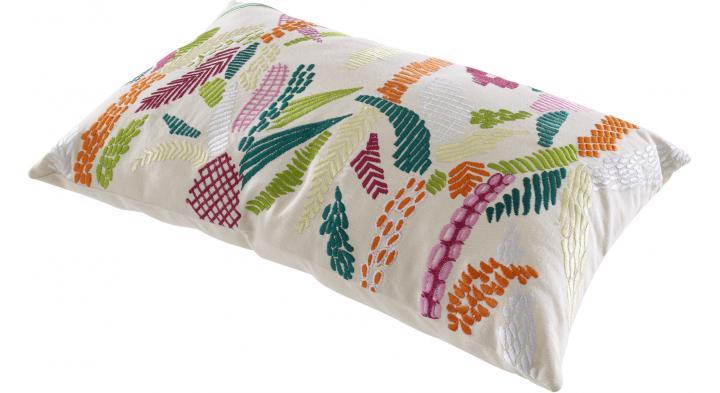 coussin jungle textiles designer m a stiker metral ligne roset. Black Bedroom Furniture Sets. Home Design Ideas